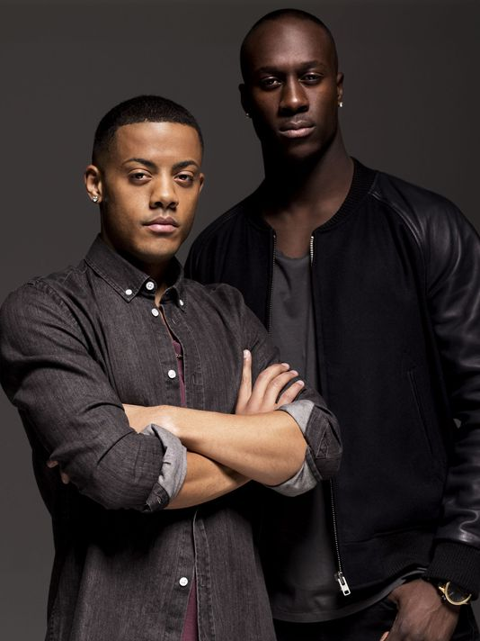 Booking Nico and Vinz