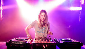 Booking Alison Wonderland