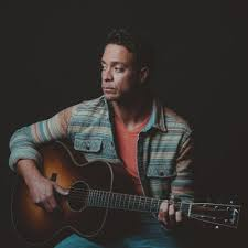 Booking Amos Lee