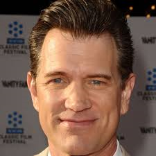 Booking Chris Isaak