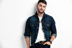 Book Dylan Scott