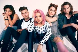 Booking Hey Violet