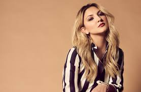 Book Julia Michaels