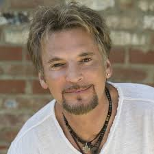 Booking Kenny Loggins