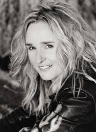 Booking Melissa Etheridge