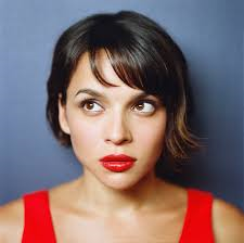 Book Norah Jones