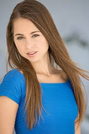 Booking Riley Reid