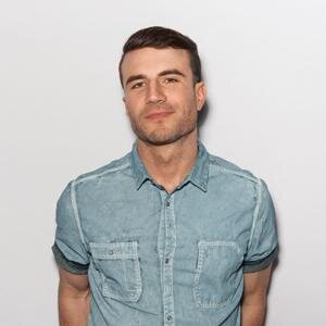Book Sam Hunt