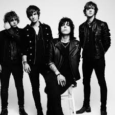 Booking The Struts