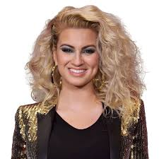 Booking Tori Kelly