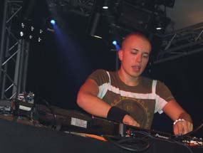 Book Headhunterz
