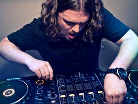 book Tommy Trash