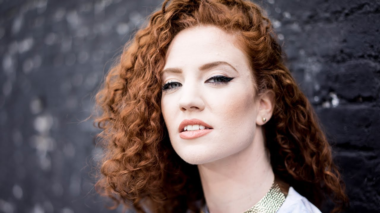 Booking Jessica Glynne