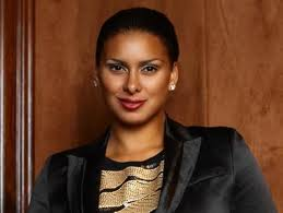 Booking Laura Govan