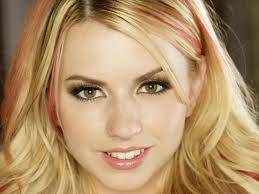 Booking Lexi Belle