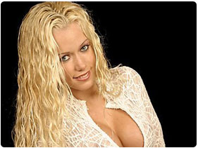 Book Kendra Wilkinson