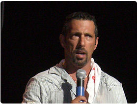 Booking Rich Vos