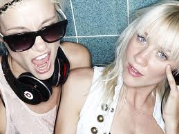 Booking Nervo
