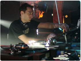 Booking Paul Van Dyk