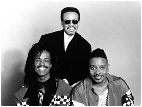 Booking Earth Wind and Fire (EWF)