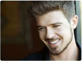 Book Robin Thicke