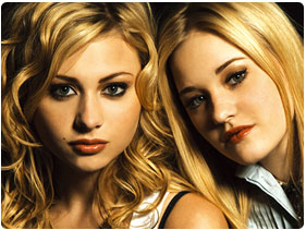 Booking Aly and AJ