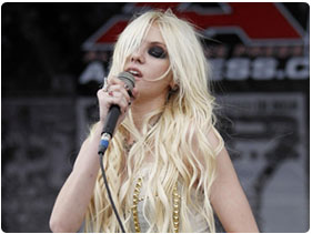 Booking The Pretty Reckless